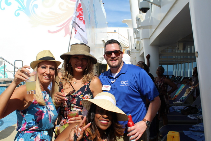 Vacations to go singles cruises